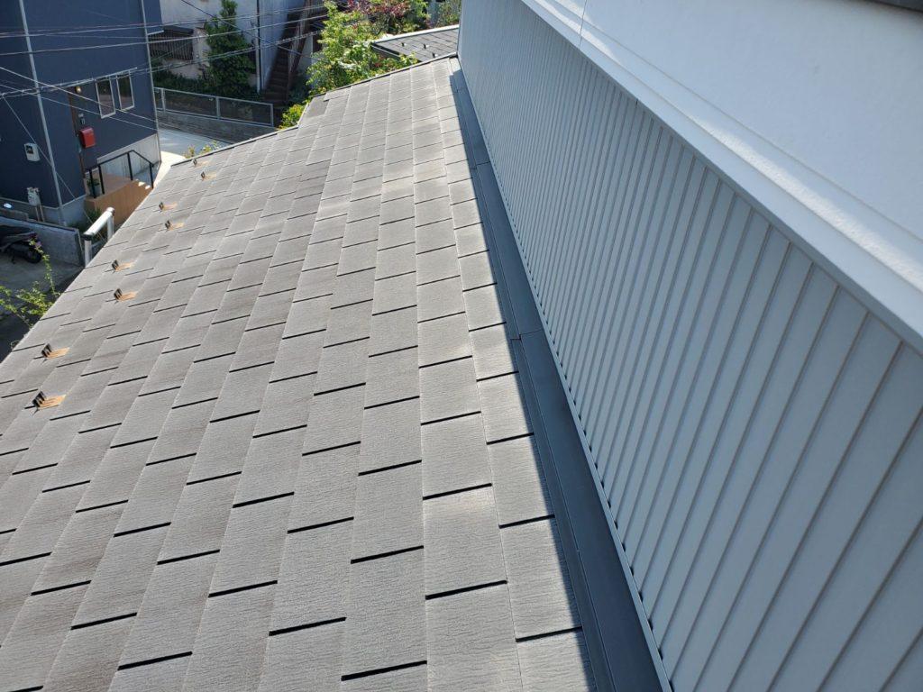 屋根、色褪せています。